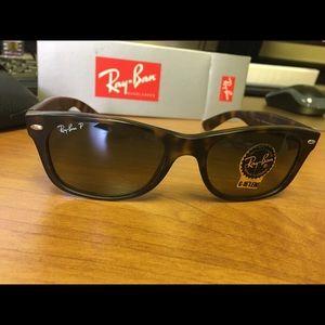 Ray ban Polarized Wayfarers Tortoise Sunglasses